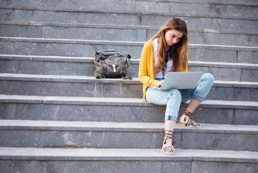 Freelance Job Options for IT Students