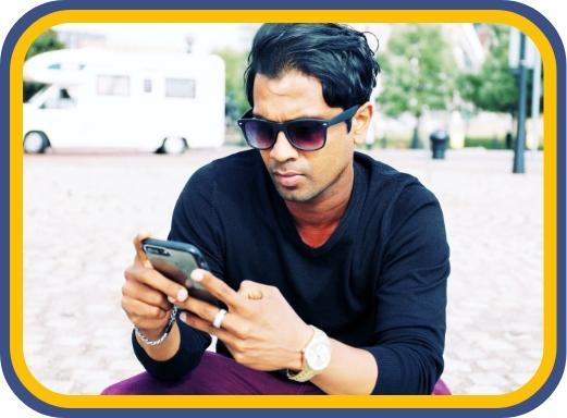 Fernando-doing-digital-advertising-via-mobile