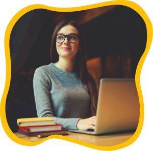 Nicole-Venglovicova-working-online-as-a-freelancer-in-uk